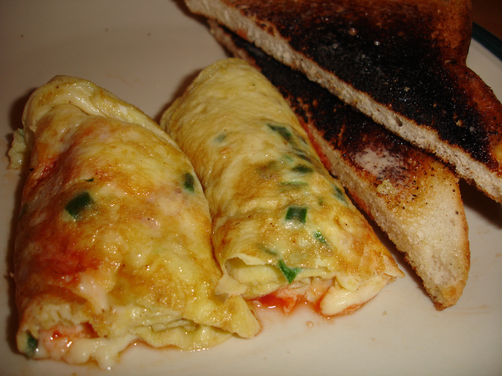 College Cuisine: Manly Red Hot Omelette
