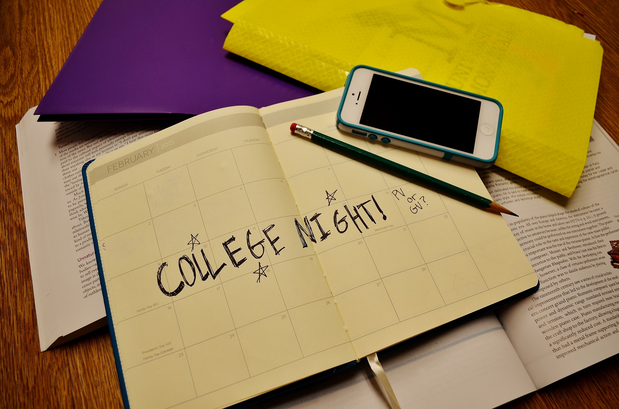 College Night sighs: A look at homecoming stress