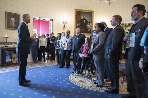 Obama unveils gun control policy