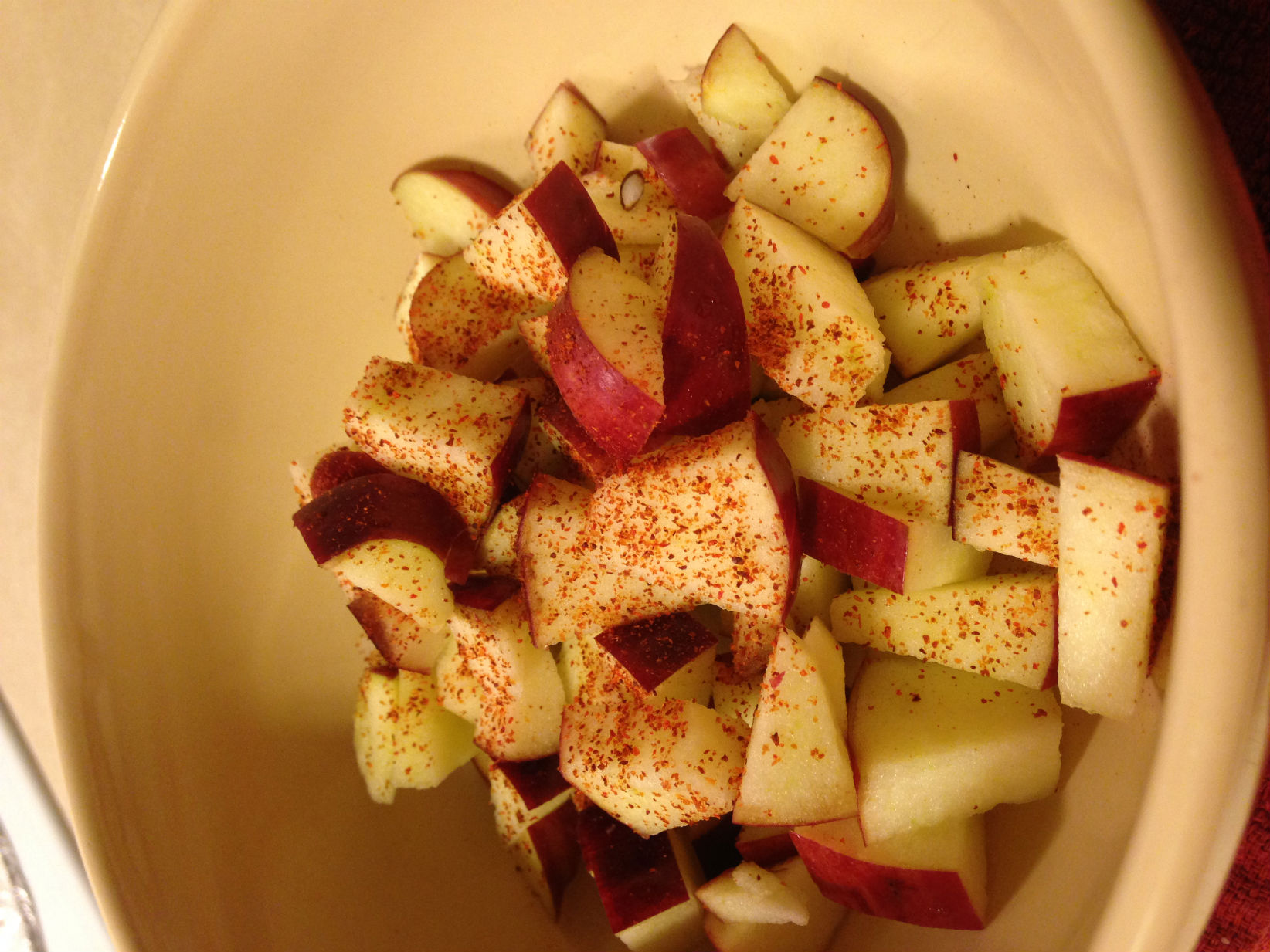 College Cuisine: Microwaved Cinnamon Apples
